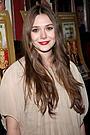 オルセン姉妹の末妹エリザベスが映画初主演 ヒュー・ダンシーと共演