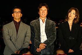 世界初の3Dミュージカルコメディ「歌うヒットマン!」