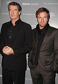 「ゴーストライター」に出演した ピアース・ブロスナン、ユアン・マクレガー「ゴーストライター」