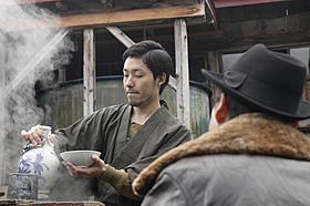 中田が老舗そば屋の初代店主に「津軽百年食堂」