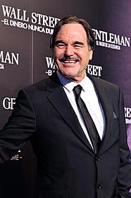 最新作「ウォール・ストリート」が 2011年2月4日に公開されるストーン監督