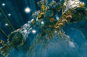 サイボーグの警官が巨大ロボットに変身「イップ・マン 葉問」