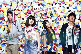 挿入歌では「愛のしるし」をカバー「高校デビュー」