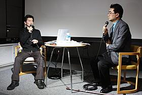 恵比寿映像祭に登場した石井岳龍監督(左)「高校大パニック」