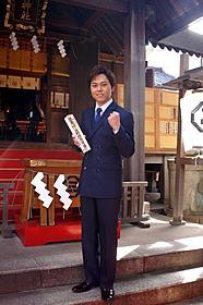 三島神社で新曲ヒット祈願