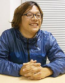 温和な表情で語る三木孝浩監督「管制塔」