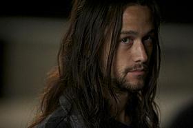 長髪のジョセフ・ゴードン=レビット「メタルヘッド」