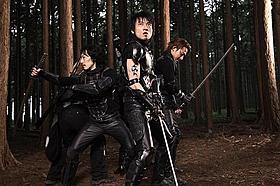 伊賀の忍者とエイリアンが日本刀をふりまわす「極道」
