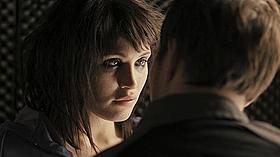セクシーな視線で誘拐犯を誘惑するアリス「誘拐犯」