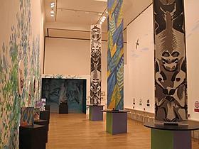 世界最大規模、約1000点の作品を展示「木を植えた男」