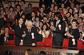 新藤兼人監督、天皇陛下とともに最後の作品を鑑賞「一枚のハガキ」