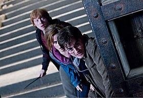 最終決戦を迎える人気シリーズ ハリーら3人の運命は?「ハリー・ポッターと死の秘宝 PART2」