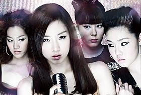 不穏な影の付きまとう人気アイドルグループの リーダーを演じたT-ARA・ウンジョン「ホワイト」