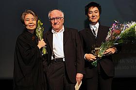 授賞式に出席した樹木希林と原田遊人氏「わが母の記」