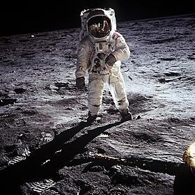 アポロ18号も月に行っていた?「アポロ18」