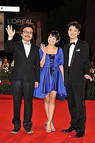 園子温監督、二階堂ふみ、染谷将太(左から)「ヒミズ」