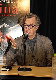 25日の来日会見では福島訪問を表明したベンダース監督