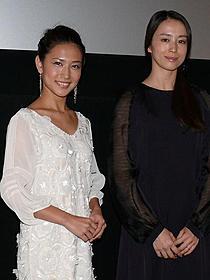 Q&Aに参加した藤真美穂、中村優子「ギリギリの女たち」