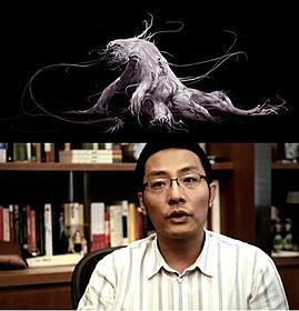 乗組員を恐怖に陥れる怪物の全身像(上)と 製作の苦労を語ったチャン・ソンホ(下)「第7鉱区」