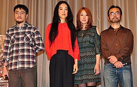 公開初日を迎えた「ミツコ感覚」の舞台挨拶の様子「ミツコ感覚」