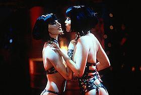 セクシーじゃない映画トップ10に選出されて しまった「ショーガール」「カリギュラ」