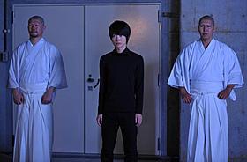 当麻と瀬文の前に立ちはだかる一十一役の神木隆之介「劇場版 SPEC 天」