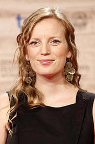 「またの名をグレイス」映画化に 着手するサラ・ポーリー「アウェイ・フロム・ハー 君を想う」