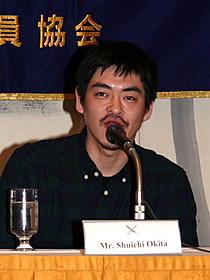 外国人向け記者会見に出席した沖田修一監督「キツツキと雨」