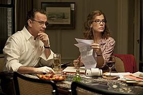 (左より)父親役を演じたトム・ハンクスと母親役のサンドラ・ブロック「ものすごくうるさくて、ありえないほど近い」