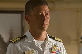 浅野忠信扮する自衛官ナガタは護衛艦艦長として活躍!「バトルシップ」