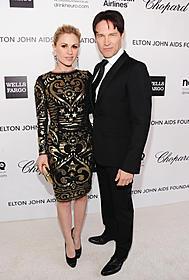 アンナ・パキンと夫のスティーブン・モイヤー「ピアノ・レッスン」