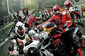 首位に輝いた「仮面ライダー×スーパー戦隊 スーパーヒーロー大戦」「仮面ライダー×スーパー戦隊 スーパーヒーロー大戦」