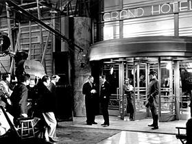 「グランド・ホテル」(32)「アンノウン」