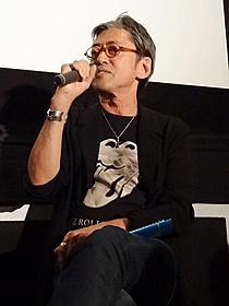 トークショーに出席したロバート・ハリス「アンダーグラウンド(2010)」