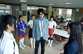 風間俊介と長谷川博己が銀幕で対峙