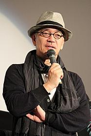 トークショーに出席した坂本龍一「LIGHT UP NIPPON 日本を照らした、奇跡の花火」