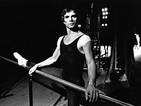 20世紀を代表するバレエダンサーの ルドルフ・ヌレエフ「バレンチノ」