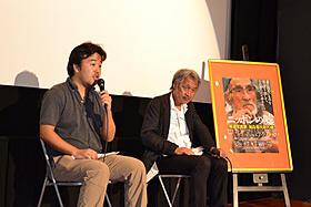 トークショーを行った長谷川三郎監督 とカメラマンの山崎裕「ニッポンの嘘 報道写真家 福島菊次郎90歳」