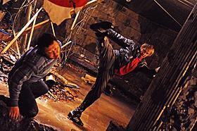 チュート徳井が体をはった熱演を見せる「莫逆家族 バクギャクファミーリア」