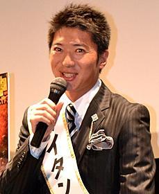 久々に公の場に姿を現した長井秀和「タイタンの逆襲」