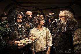 失われたドワーフ王国を取り戻すため、 ビルボは14番目の仲間として旅立つ!「ロード・オブ・ザ・リング」