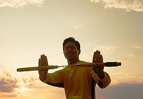 カンフーに初挑戦するMATSUこと松本利夫「LONG CARAVAN」