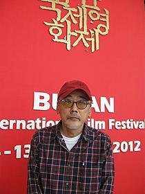 釜山国際映画祭に出席した小林政広監督「日本の悲劇」