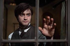「ハリー・ポッター」後にラドクリフが選んだのは英国ゴシック・ホラー「ウーマン・イン・ブラック 亡霊の館」
