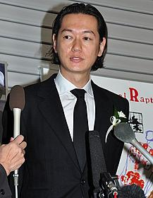 監督に最後の別れを告げた井浦新「千年の愉楽」