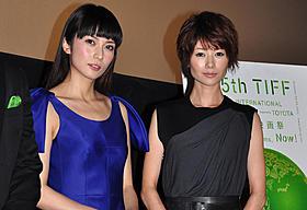 初共演した柴咲コウと真木よう子「すーちゃん まいちゃん さわ子さん」