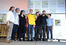 主要キャスト&スタッフに加えてイライジャ ・ウッドも登場したコミコンの模様も収録!「ロード・オブ・ザ・リング」