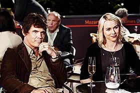 物語の中心となるロイ(ジョシュ・ブローリン) &サリー(ナオミ・ワッツ)の倦怠期夫婦「恋のロンドン狂騒曲」