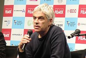 観客の質問に答えるペドロ・コスタ監督「コロッサル・ユース」