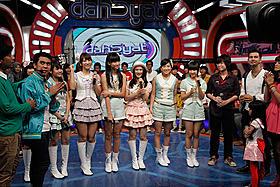 高城、仲川の移籍組がインドネシアの歌番組に出演
